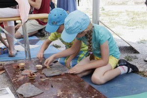 """Kinderfest des Landesmuseums Koblenz: """"Archäologie in Kinderhand"""", 27.07.2014"""